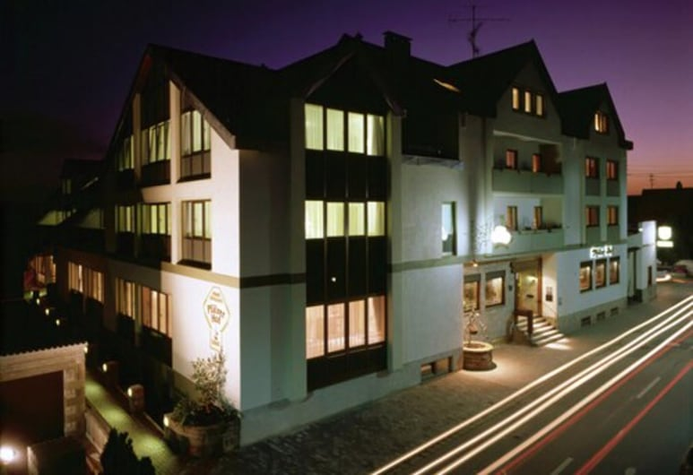 Hotel Lösch Pfälzer Hof, Rėmerbergas, Viešbučio fasadas vakare / naktį