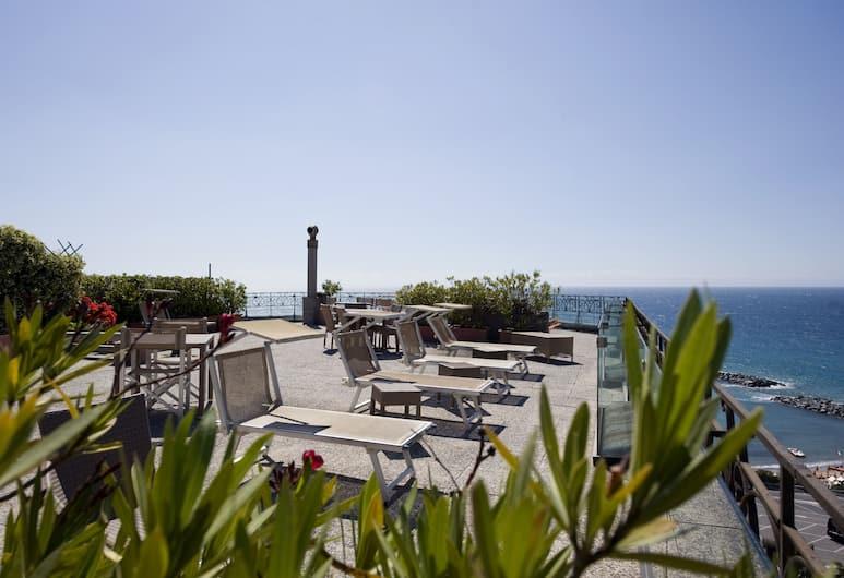 برومينيد لولي ميزون دو شارم, Sanremo, سطح مشمس