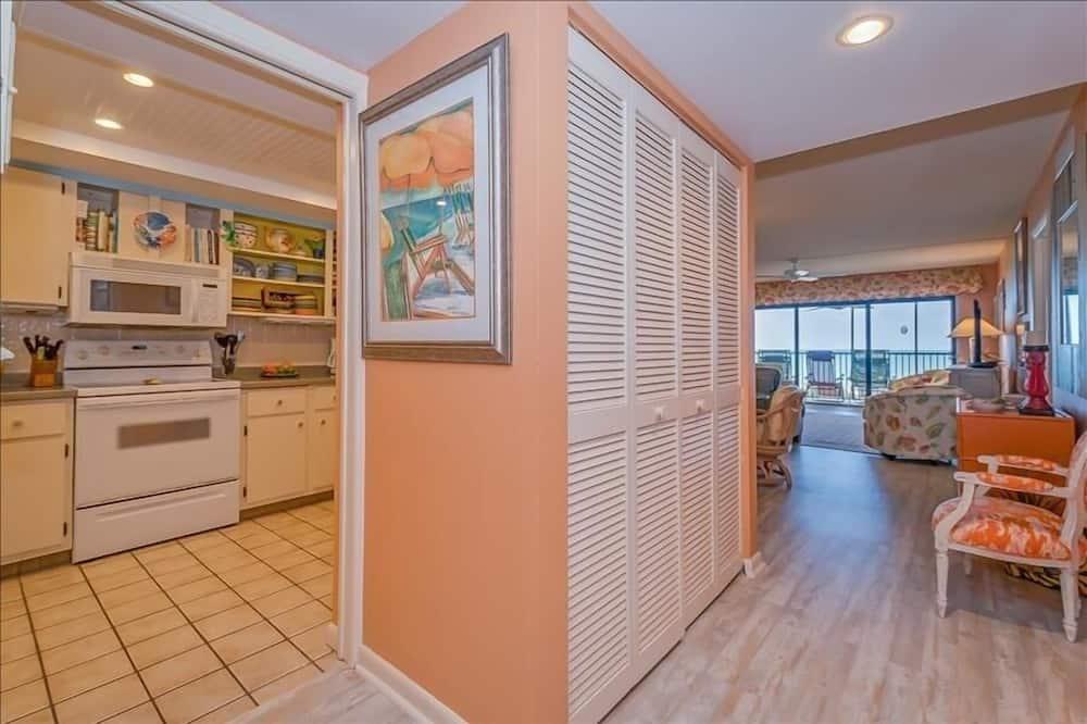 Apartamento em Condomínio Fechado, 2 Quartos - Cozinha privada