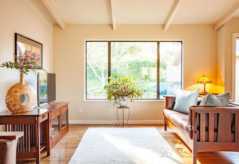 197 Upland Drive - 3 Br Home, Petaluma, Casa, 4 Quartos, Sala de Estar