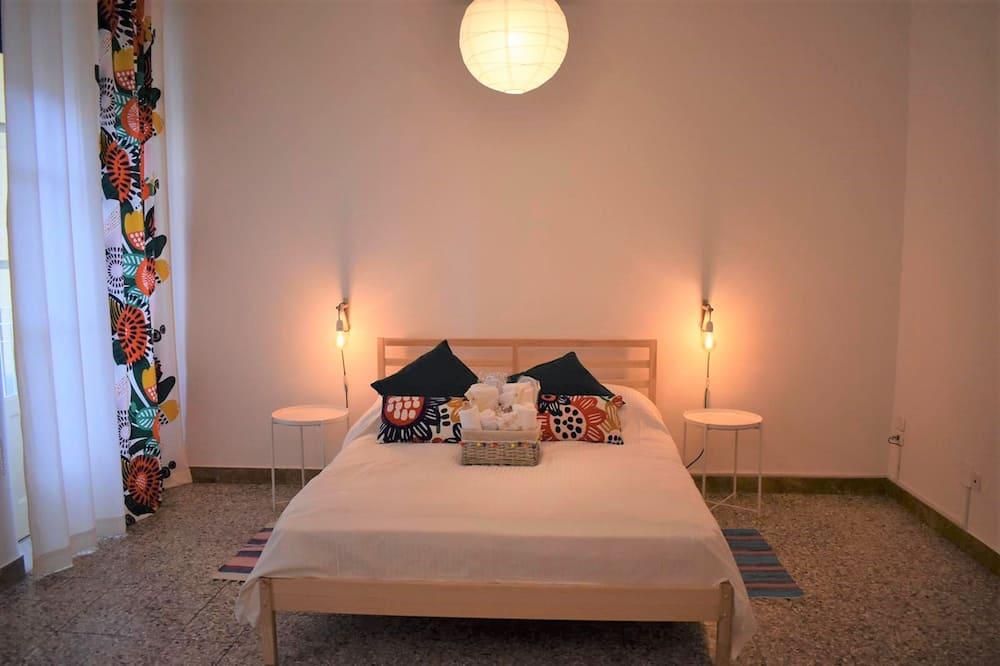 Comfort Triple Room, Balcony, City View - Guest Room