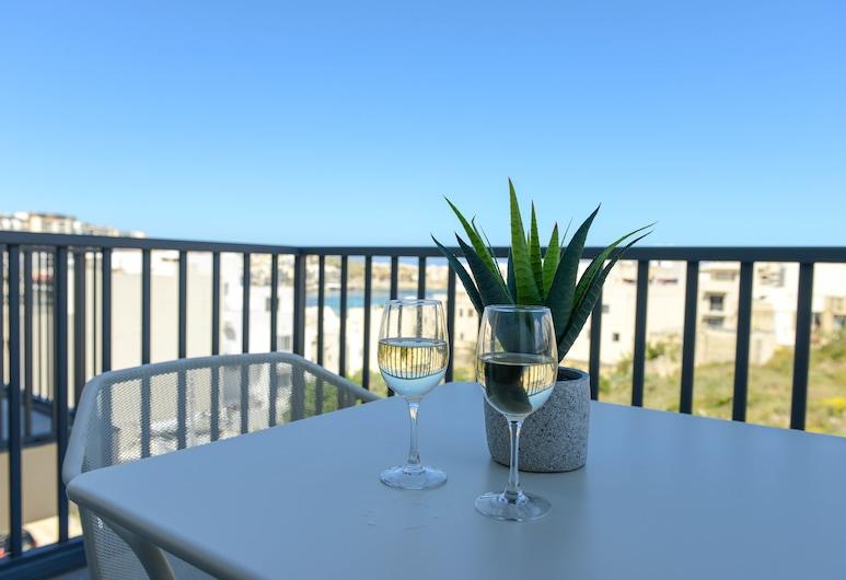 Dorgin five, Marsaskala, Exclusive Apartment, Sea View, Terrace/Patio