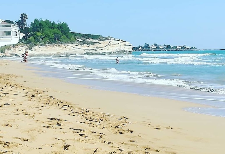 海濱度假民宿, 諾托, 海灘