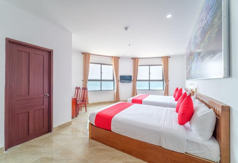 OYO 215 An Duc Hotel Da Nang, Da Nang, Family Quadruple Room, Guest Room