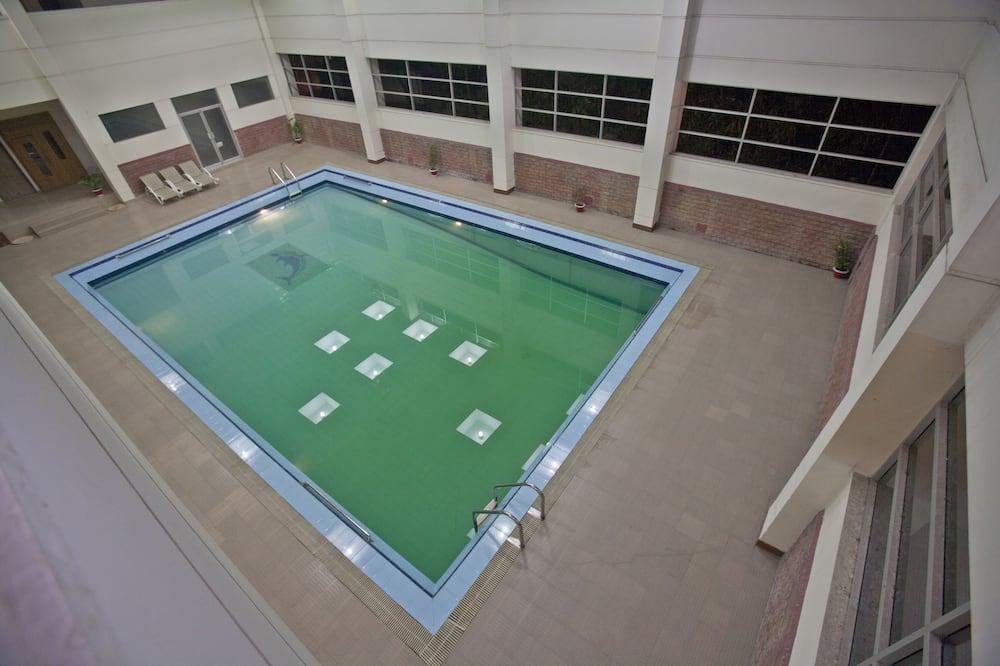 Krytý bazén