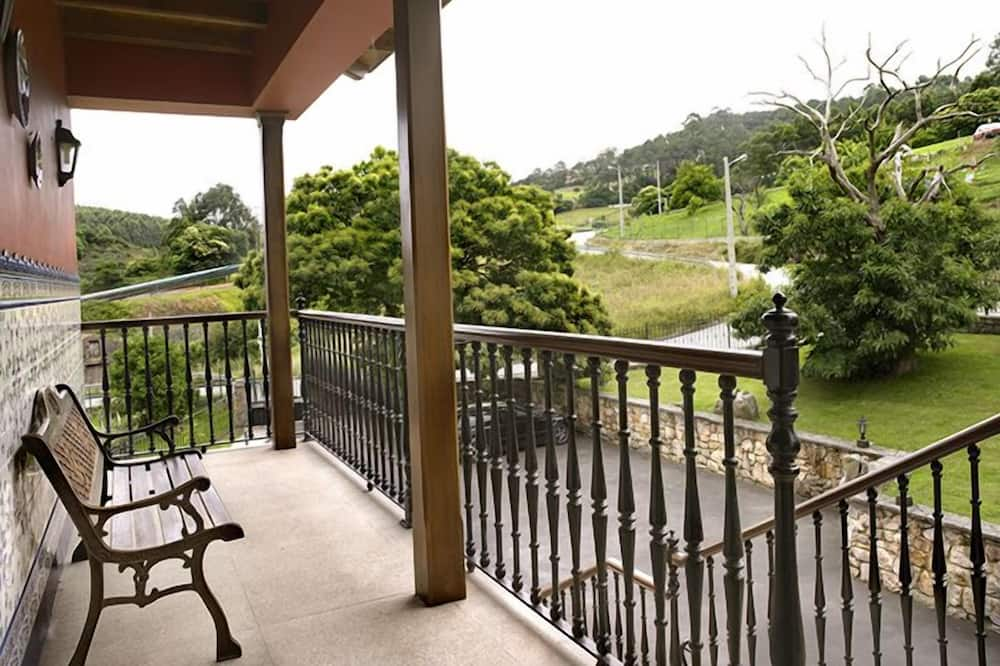 House, Multiple Bedrooms - Balcony