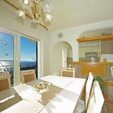 Family Apartment, 2 Double Beds, Ocean View - In-Room Dining