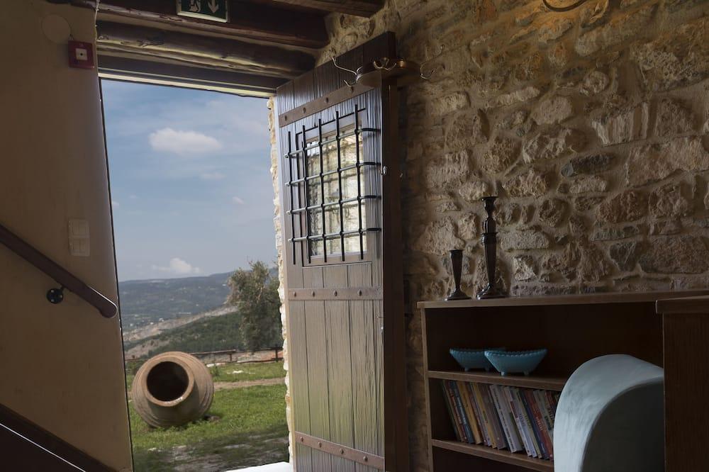 Tradiční dvoupodlažní apartmá - Obývací prostor