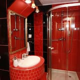 Standard Double or Twin Room, Courtyard View - Bathroom
