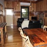 Luxury Cottage, 2 Queen Beds - Living Area