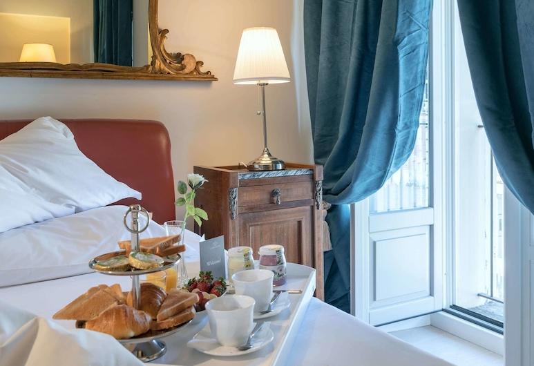 Corte Realdi Luxury Rooms - Torino, Turín, Habitación Deluxe doble, vistas a la ciudad, Comida en la habitación