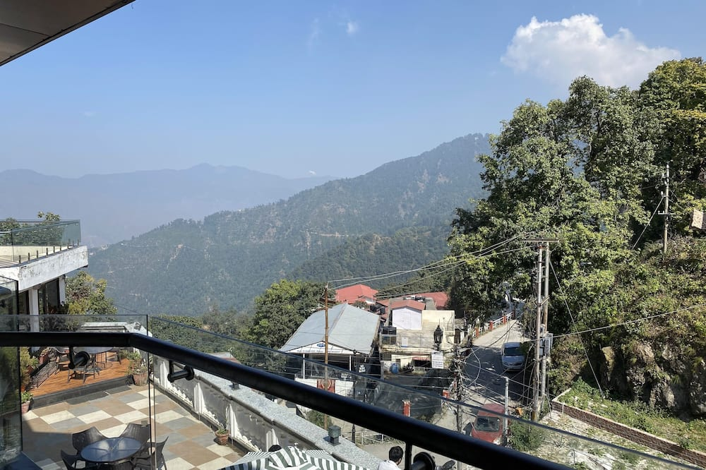 Superior Himalayan View Room with Balcony - Balcony View