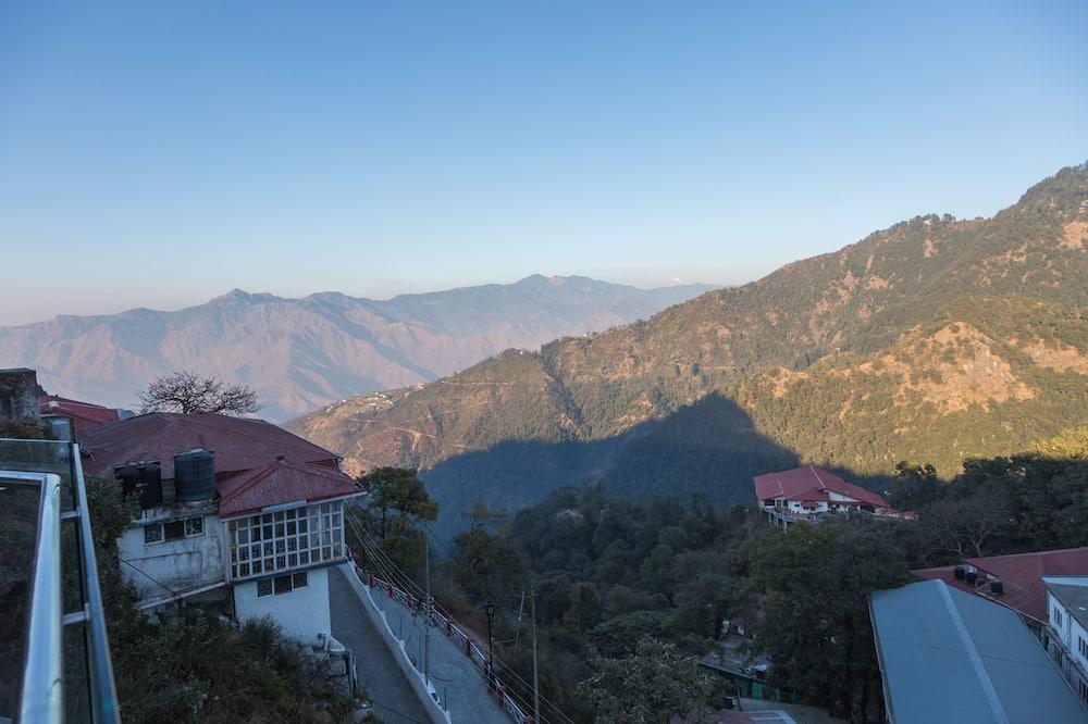 Premium Himalayan View Room with Balcony - Balcony