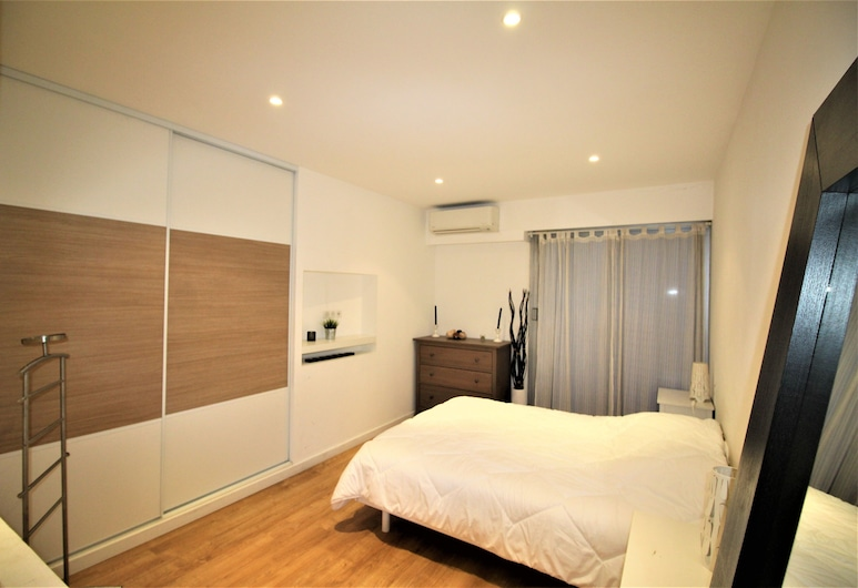 NICE BOOKING - MARECHAL BALCON 500M MER, Nice, City Apartment, 2 Double Beds, City View, Room