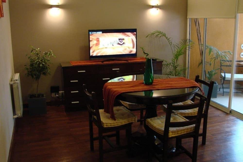 標準公寓, 多張床 - 客廳