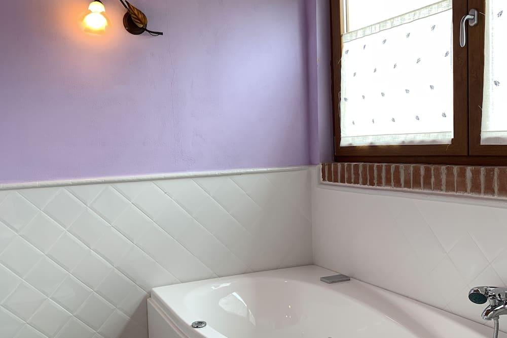 Comfort házikó, nemdohányzó, Mezzanin (Lavanda) - Pezsgőfürdő