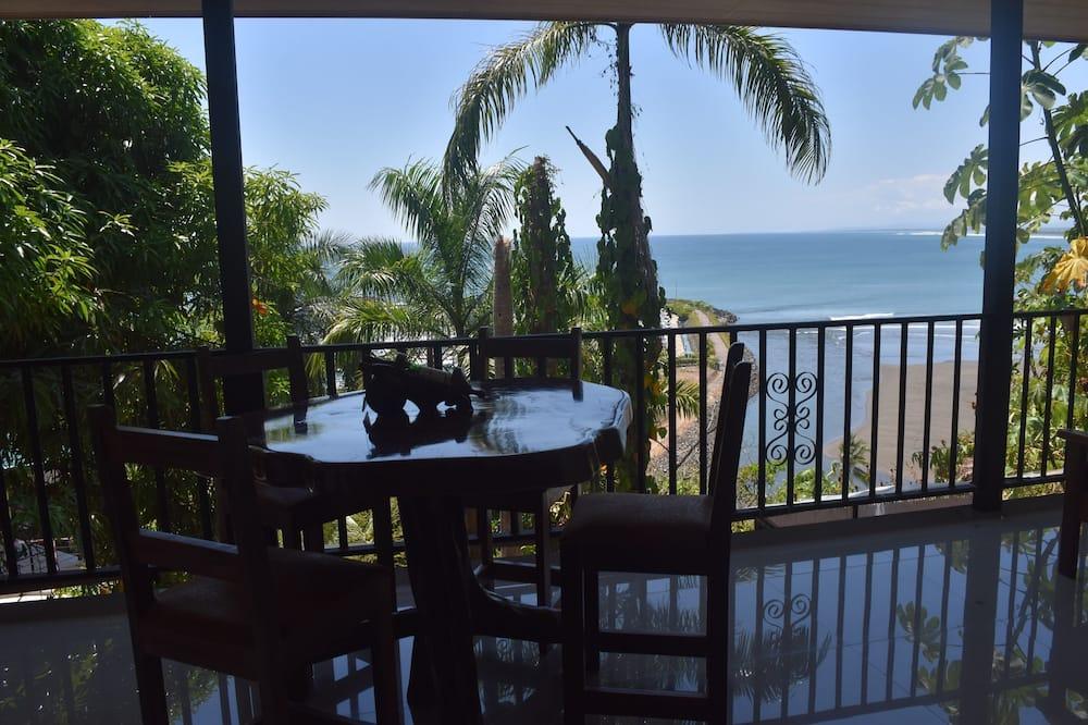 Panoramic villa, 2 magamistoaga, asukoht mere kaldal - Rõdu