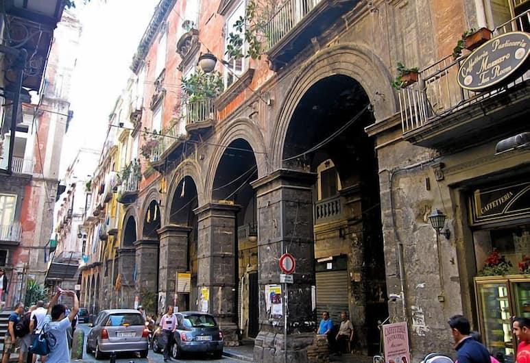 Napoli Centro, Napoli, Utvendig