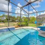 Ev, 3 Yatak Odası - Kapalı Yüzme Havuzu