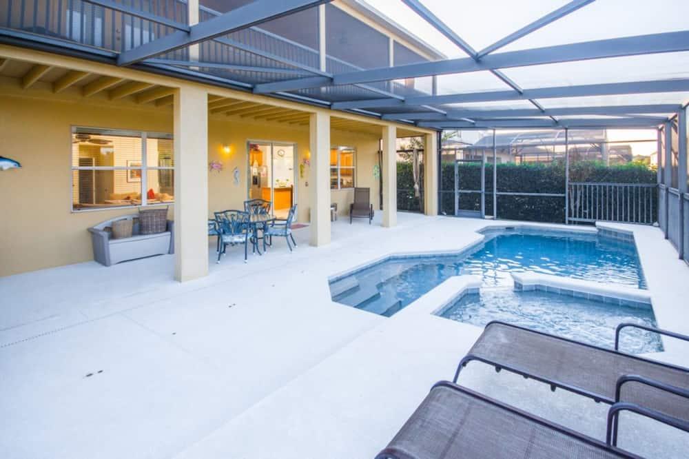 ハウス 5 ベッドルーム - 屋内プール