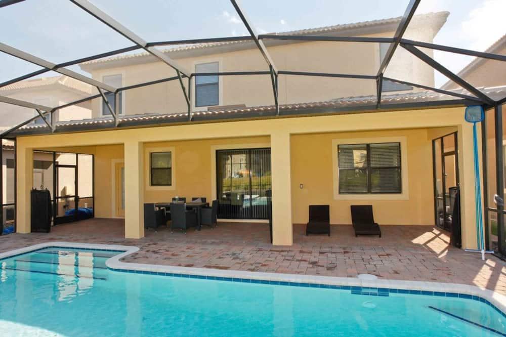 Dom, viacero postelí - Krytý bazén