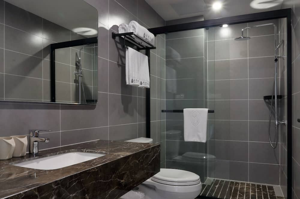 Elite Suite - Bathroom