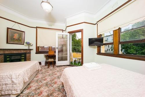 東雪梨飯店/