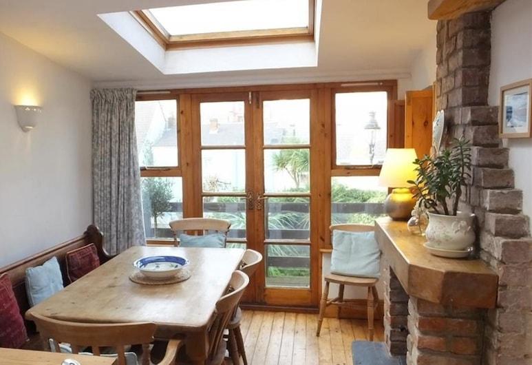 Mews Cottage, Tenby, Ferienhaus (4 Bedrooms), Wohnbereich