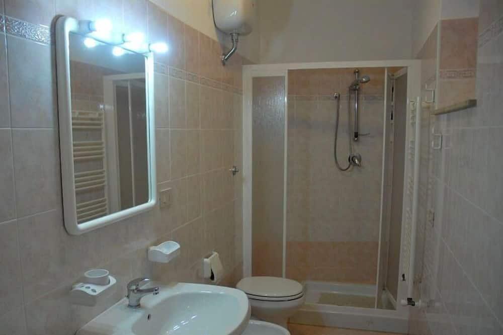 Kamar Double, 1 Tempat Tidur Queen, kamar mandi pribadi (external) - Kamar mandi