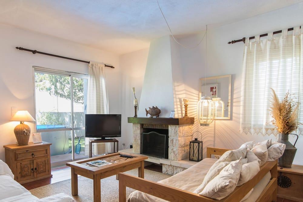 Casa, 2 habitaciones, piscina privada, con vista al jardín - Sala de estar