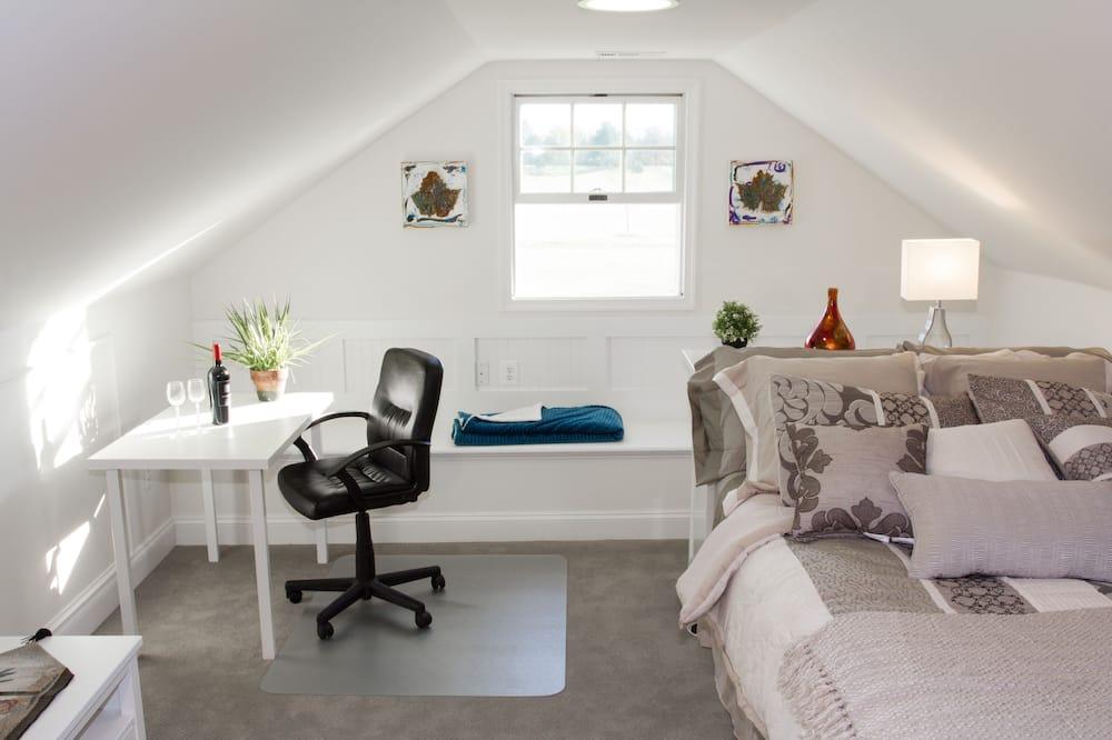 Turquoise Loft - Living Room