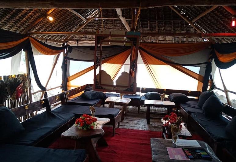 Bidi Badu Beach Resort, Diani Beach, Hotel Lounge