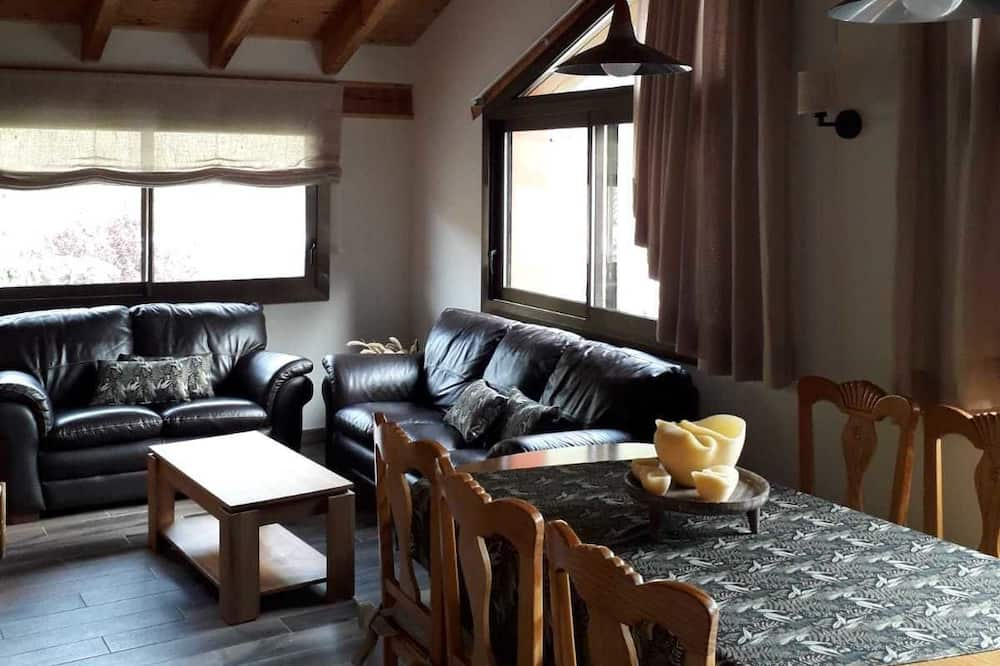 Apartment, 3 Bedrooms, Mountain View - In-Room Dining