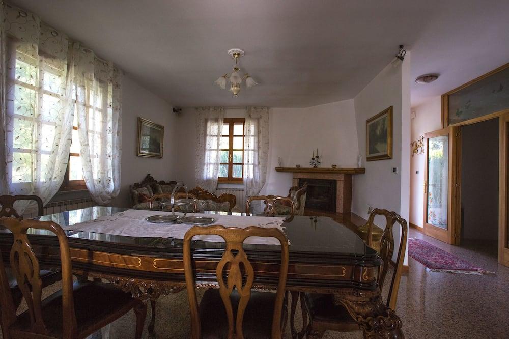 Huis, 2 slaapkamers - Eetruimte in kamer