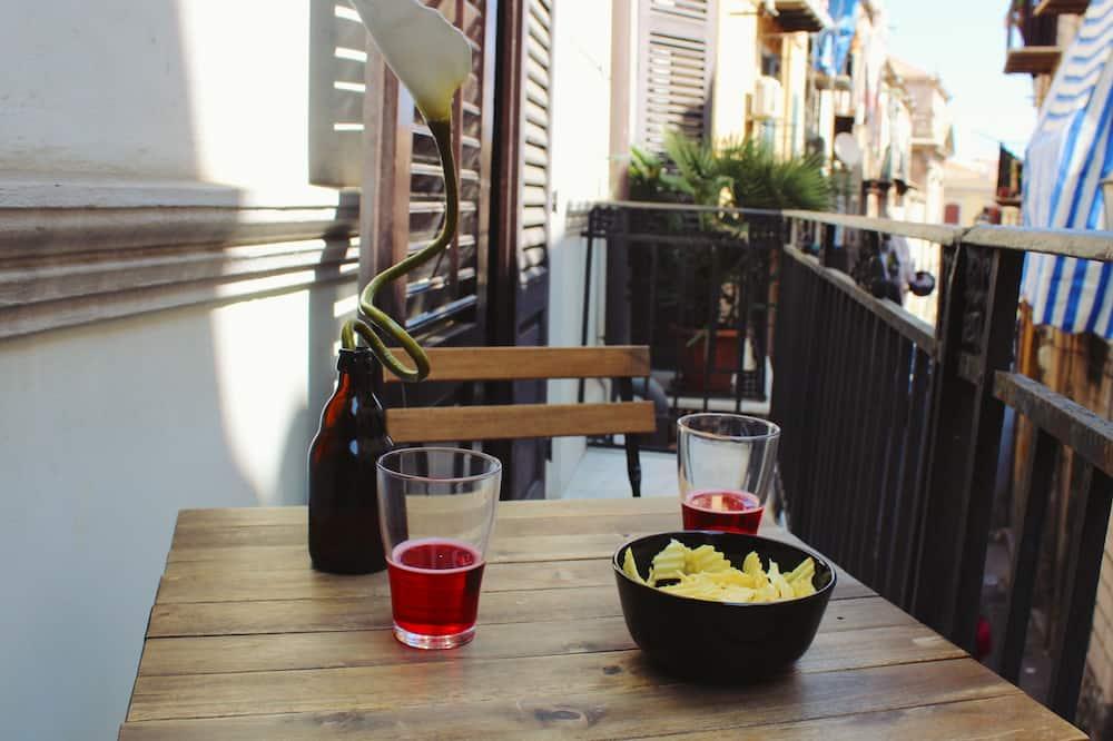 Tremannsrom – romantic, flere senger, utsikt mot byen - Balkongutsikt