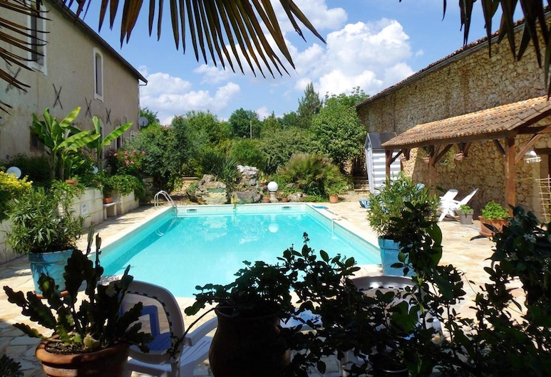House With 2 Bedrooms in Saint-front-de-pradoux, With Shared Pool and Furnished Garden, Saint-Front-de-Pradoux, Pool