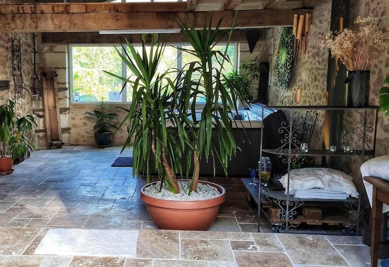 House With 2 Bedrooms in Saint-front-de-pradoux, With Shared Pool and Furnished Garden, Saint-Front-de-Pradoux, Maison, vue piscine, Baignoire profonde