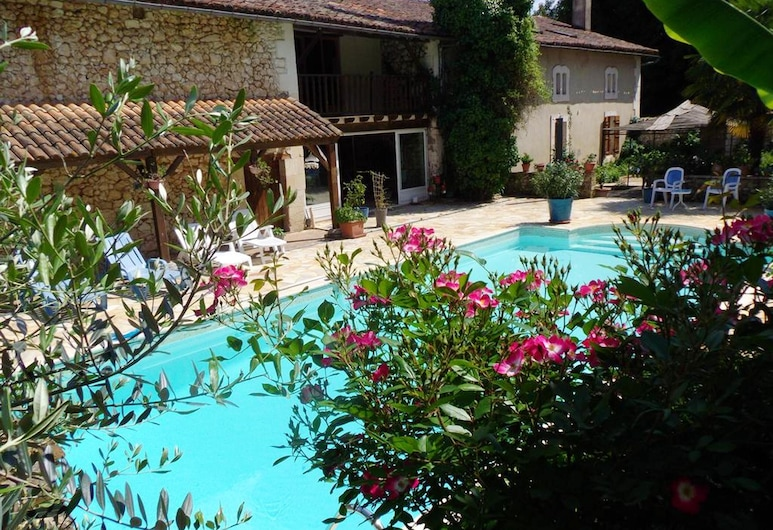 House With 2 Bedrooms in Saint-front-de-pradoux, With Shared Pool and Furnished Garden, Saint-Front-de-Pradoux, Baseins