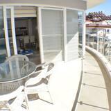 شقة - غرفتا نوم - بمنظر للبحر - شُرفة