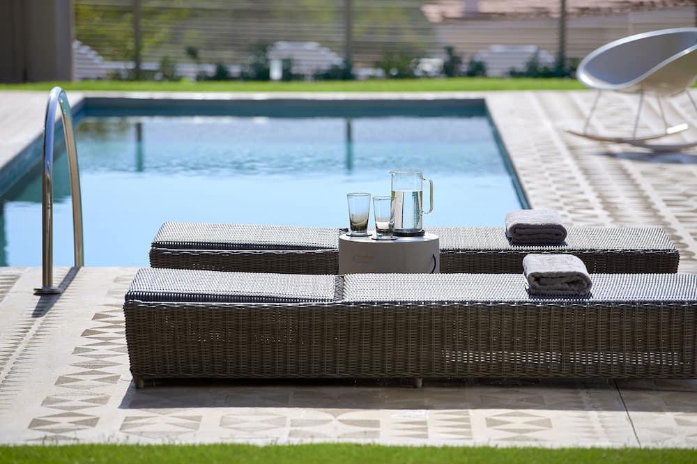 Lavender - Elaia Luxury Ground Floor Suite with Private Pool and Garden - สระส่วนตัว