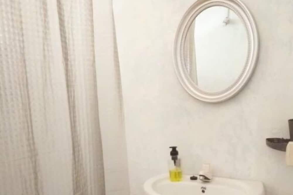 Klasikinio tipo poilsio namelis - Vonios kambarys
