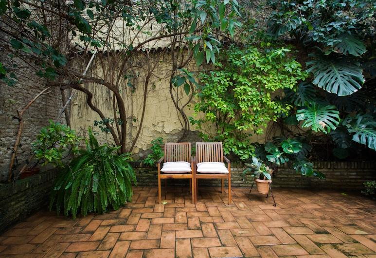 SVQ Apartments Patio en Santa Cruz, Seville, Apartmán, 3 spálne, výhľad na záhradu, Terasa