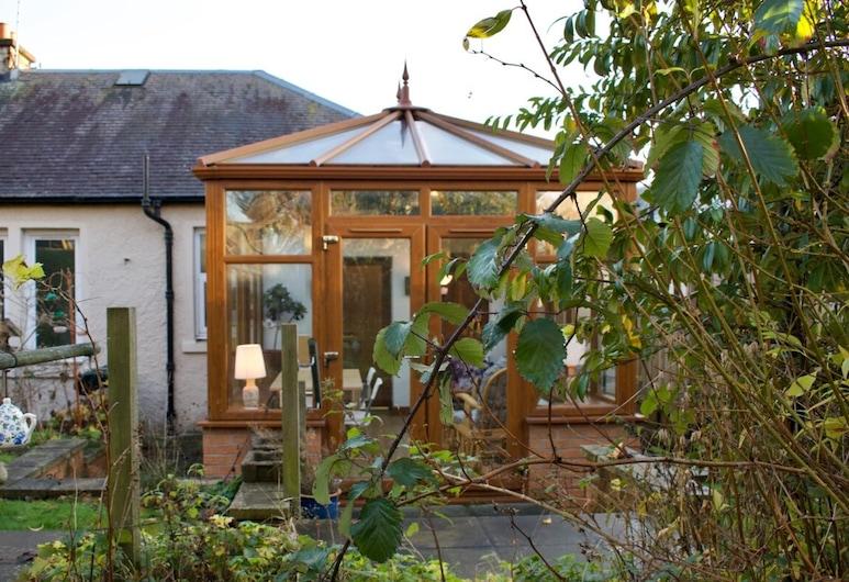 Cosy Home With Views of Arthur's Seat, Edinburgh