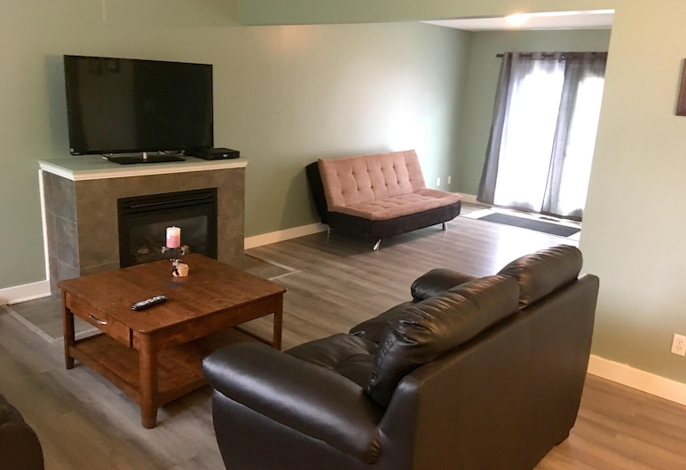 House With 2 Bedrooms in Campbell River, With Wonderful Mountain View, Furnished Terrace and Wifi - 6 km From the Beach, Campbell River
