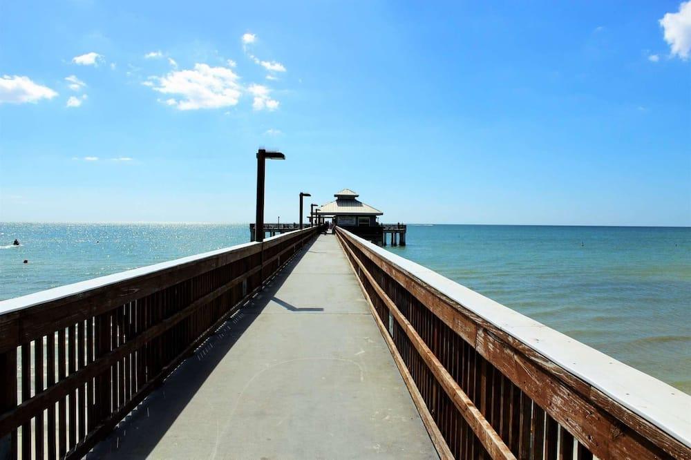 منزل - عدة أسرّة (Beach Tree Hippie House) - الشاطئ