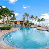 Condo (Lovers Key Resort 901) - Pool
