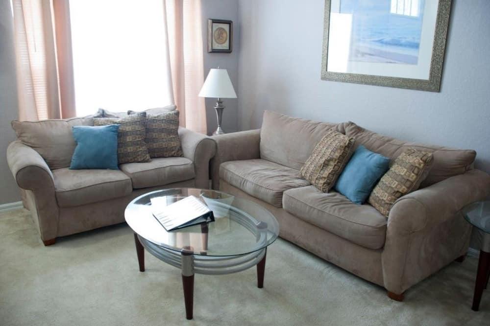 Dom, viacero postelí, súkromný bazén, výhľad na záhradu - Obývacie priestory
