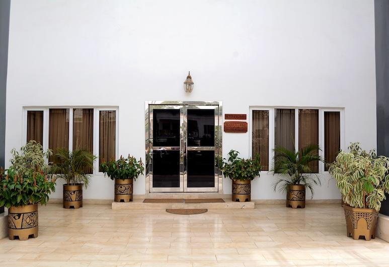 Mahogany Hotel and Suites, Ibadan, Hotel Entrance