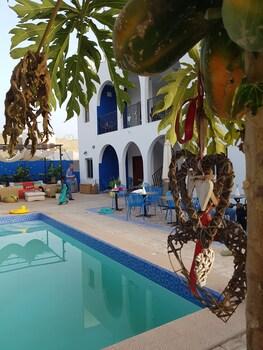 ภาพ Camara Gardens Apartments with Pool ใน Serrekunda