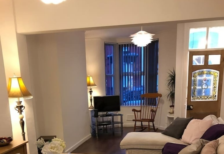 Wavertree House Liverpool, Liverpool, House, Multiple Beds, Living Area